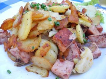 Bratkartoffeln mit Leberkäse und Zwiebelringen - Rezept
