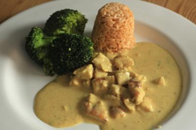 Geschnetzeltes in einer  Frischkäse-Curry-Rosmarin-Sauce - Rezept