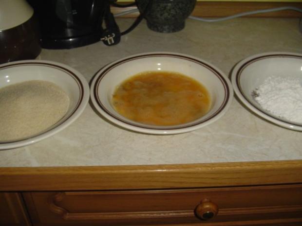 Schnitzel und  Kohlrabipommes mit Petersielkartoffeln - Rezept - Bild Nr. 3