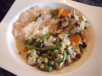Vegetarisches Gemüsecurry mit Räuchertofu - Rezept