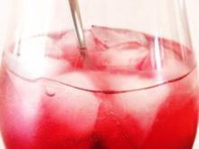 Prosecco mit Sauerkirschen - Rezept