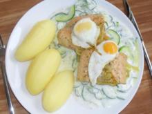 Pochierter Lachs auf Gurkengemüse - Rezept