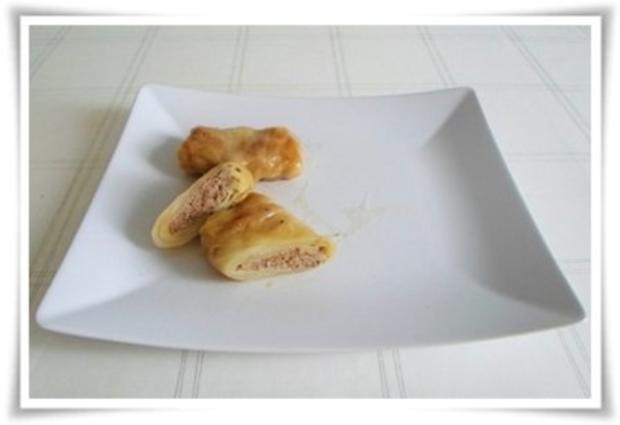 Kohlrouladen mit Tomatensauce, Salzkartoffeln und Möhren - schonend gegart. - Rezept - Bild Nr. 14
