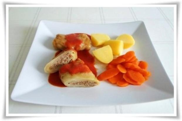 Kohlrouladen mit Tomatensauce, Salzkartoffeln und Möhren - schonend gegart. - Rezept - Bild Nr. 16