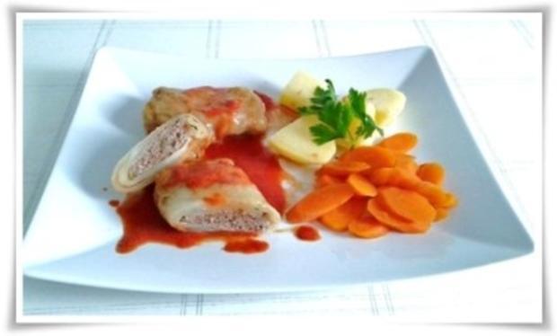 Kohlrouladen mit Tomatensauce, Salzkartoffeln und Möhren - schonend gegart. - Rezept - Bild Nr. 18