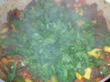 Rind-Pilze-Paprika-Estragon Eintopf - Rezept
