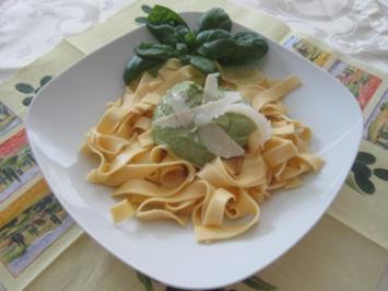 Pasta und Avocado -Pesto - Rezept