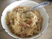Beilage : Weintrauben - Sauerkraut mit Rauchspeck und Zwiebeln - Rezept