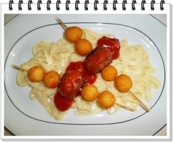 Fleisch-Kartoffelbällchen-Spieß auf Tagliatelle - Rezept - Bild Nr. 2