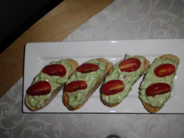Avocadocreme auf getoastetem Baguette - Rezept - Bild Nr. 2