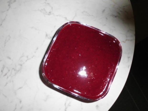Brandteigkuchen mit Vanillecreme, dazu Waldbeermus (so wird das in Ungarn gemacht) - Rezept - Bild Nr. 28