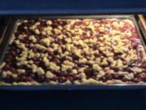 Kuchen: Streuselkuchen mit Sauerkirschen - Rezept - Bild Nr. 10