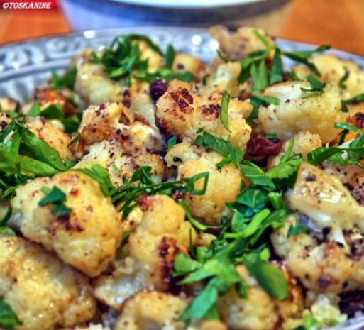 Orientalische Blumenkohl-Couscous-Pfanne mit Joghurt-Dipp - Rezept