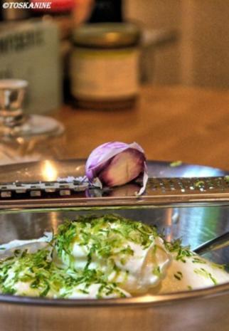 Orientalische Blumenkohl-Couscous-Pfanne mit Joghurt-Dipp - Rezept - Bild Nr. 2