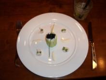 Gurke mit Lachstatar an Meerrettichschaum - Rezept