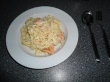 Pasta mit Lachs und saurer Sahne - Rezept
