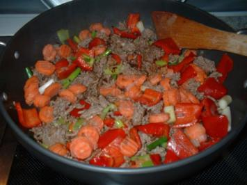 Gemüse,Hack-Zucchinipfanne ! - Rezept