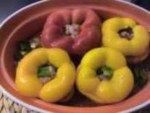 Hackfleisch: Deftig gefüllte Paprikaschoten - Rezept