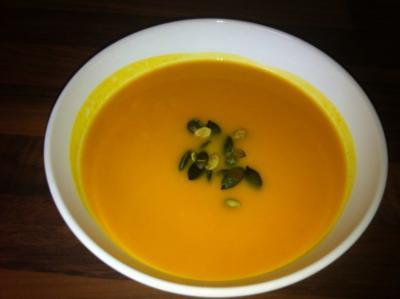 Kürbissuppe mit Cidre (Hokkaido) - Rezept
