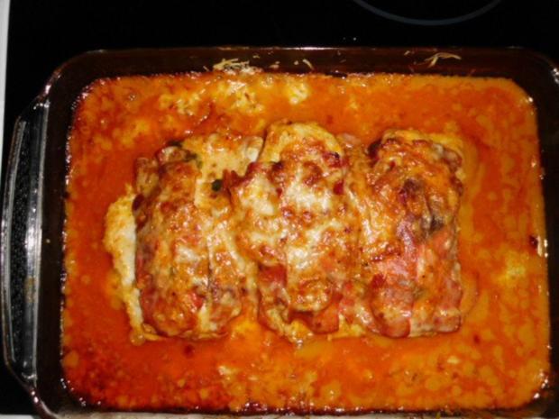 Geschichtete Käse-Hähnchenbrustfilets in einer Zwiebel-Senfsahnesauce, überbacken - Rezept - Bild Nr. 2