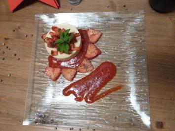 Erdbeerragout mit schwarzem Kampot Pfeffer, Eisenkraut und Quark-Sahne-Parfait - Rezept