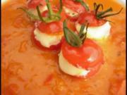 Gefüllte Kirschtomaten und Tomaten-Paprika-Suppe - Rezept
