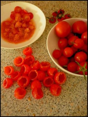 Gefüllte Kirschtomaten und Tomaten-Paprika-Suppe - Rezept - Bild Nr. 2