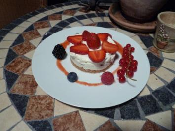 Rezept: Erdbeer-Rosmarin-Cheesecake