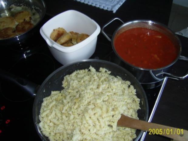 Schwein: Spirelli mit Jägerschnitzel & Tomatensoße - Rezept