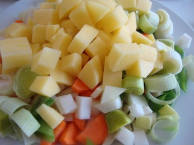 "Gemüsesuppe ""Querbeet"" mit kräftiger Grundlage - Rezept - Bild Nr. 10"