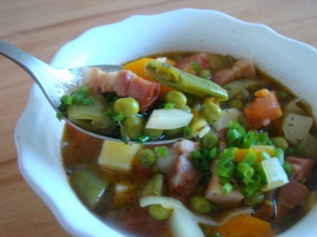"Gemüsesuppe ""Querbeet"" mit kräftiger Grundlage - Rezept - Bild Nr. 16"