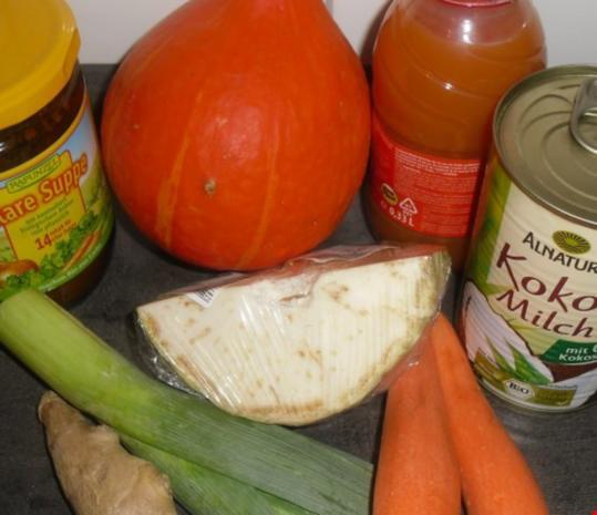 Kürbis-Suppe mit Gemüseeinlage - Rezept - Bild Nr. 2