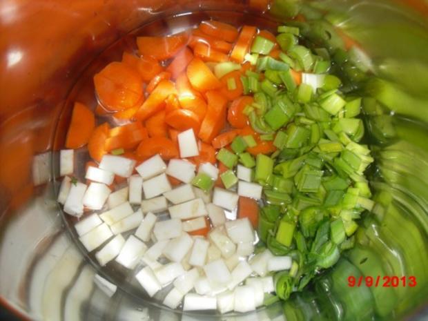 Kürbis-Suppe mit Gemüseeinlage - Rezept - Bild Nr. 4