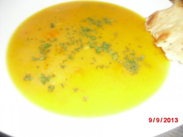 Kürbis-Suppe mit Gemüseeinlage - Rezept