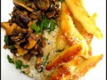 gebratene Schupfnudeln mit Zucchini-Soße und Pilzen - Rezept