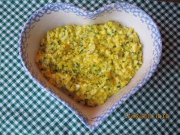 Eiersalat mit Kräutern - Rezept