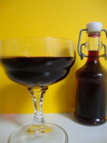 Holunderbeerenlikör - Rezept