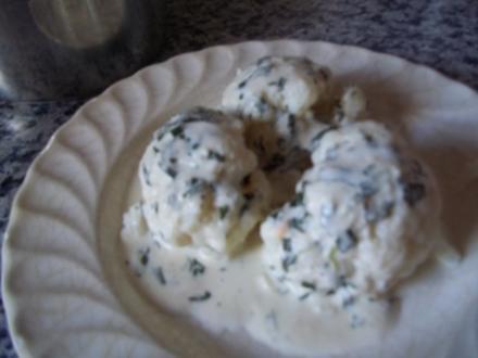 Blumenkohl mit Käse-Kräuter-Soße - Rezept