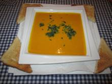 Kürbis-Paprika-Suppe - Rezept