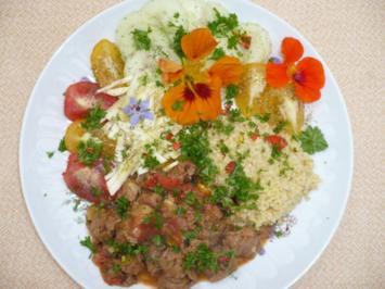 vegane Gulasch mit Hirse und Rohkost - Rezept