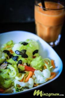 Gemüsenudeln mit Zitronengras-Mango Curry - Rezept