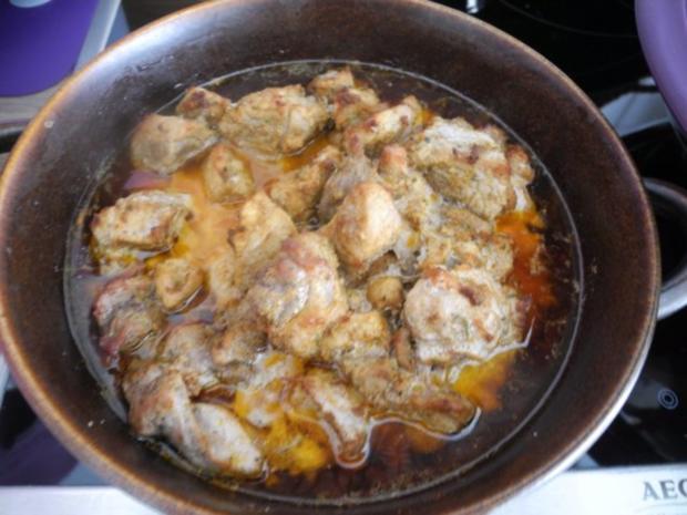 Gulasch : Zwiebel - Erbsen - Gulasch...aus dem kleinen Zaubertopf* - Rezept - Bild Nr. 12