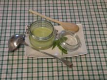 Erbsen-Minze-Suppe im Weckglas und davor selbstgebackene Brötchen & Erdbeer-Sekt-Cocktail - Rezept