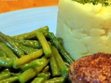 Erdnussbouletten, Kartoffel-Knoblauch-Püree, Butterbohnen - Rezept