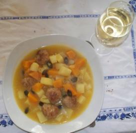 Kürbis-Kartoffelsuppe mit Klößchen - weil ich die Cremesuppe satt hatte - Rezept