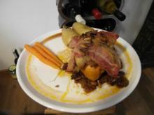Minihähnchen auf süß-saurer Rotweinsoße mit Salbei-Speck-Kartoffeln - Rezept
