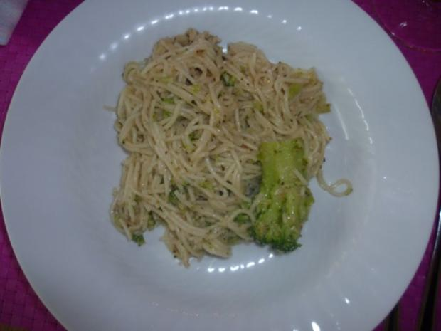 Linguine mit Wallnuss-Salsa und Brokkoli - Rezept