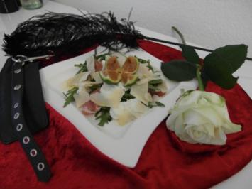 Rucolasalat mit frischen Feigen aus Pans Lustgarten und Büffelmozzarella - Rezept