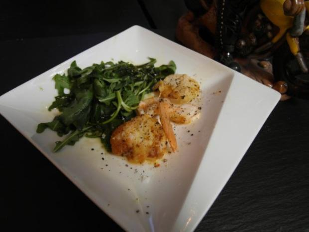 tigergarnelen jacobsmuscheln auf sommerlichen salat rezept. Black Bedroom Furniture Sets. Home Design Ideas