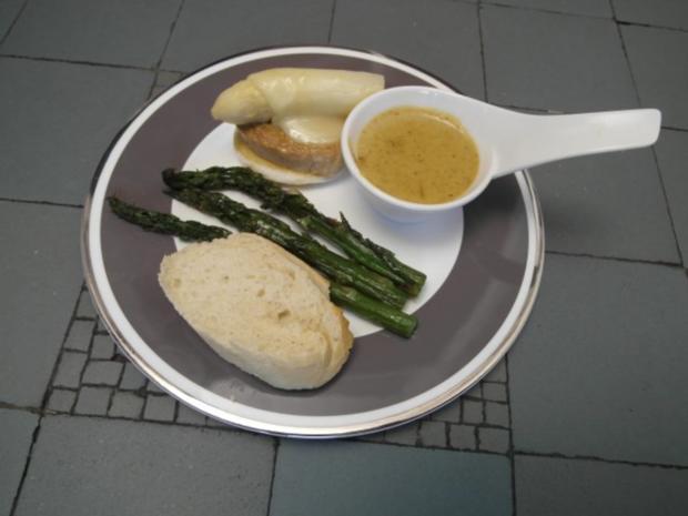 Gratinierter Filet-Taler mit weißem Spargelkopf an gebratenem grünen Spargel - Rezept